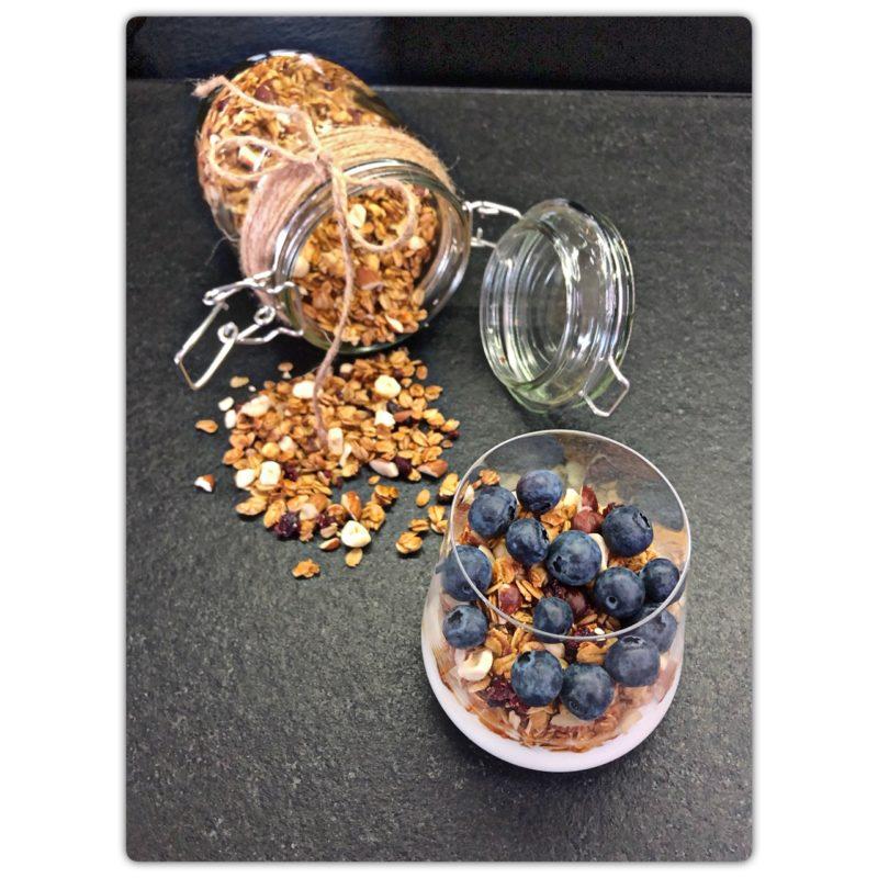 Granola z miodem wrzosowym i borówką amerykańską